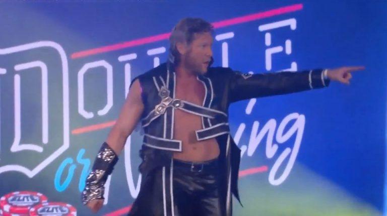 El luchador de Wrestling, Kenny Omega, entra al ring con la ropa de Kirito.