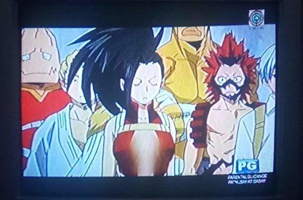 Los pechos de Yaoyorozu, de Boku no Hero Academia, son censurados en Filipinas.