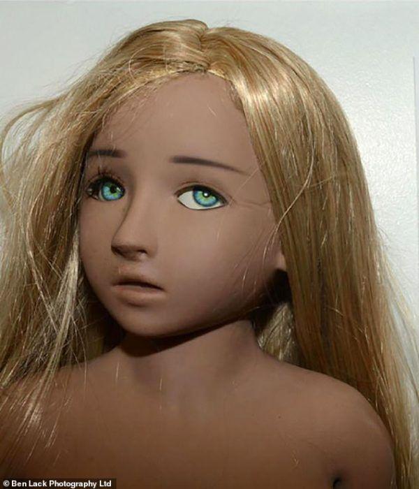 Un anciano es sentenciado por tener una muñeca sexual con aspecto de niña y tener material lolicon