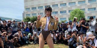 critican-a-una-cosplayer-por-hacer-una-version-sexy-de-sasha-de-shingeki-no-kyojin-en-la-comiket