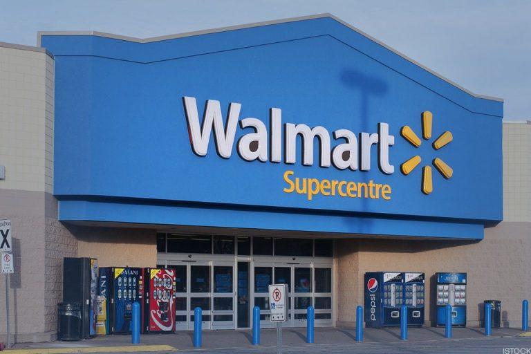 Walmart retira la publicidad violenta de videojuegos mientras sigue vendiendo armas de fuego